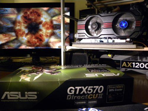 ASUS GTX 570 DirectCU II stressed by FurMark 1.9.0