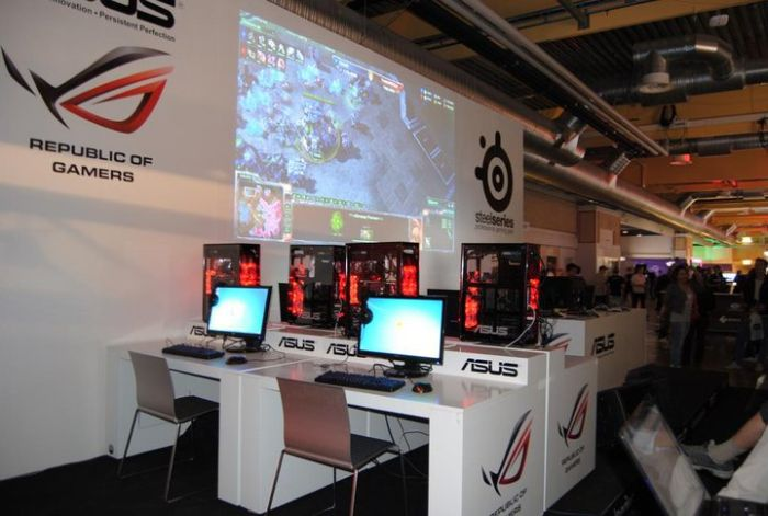 ASUS, DreamHack 2011