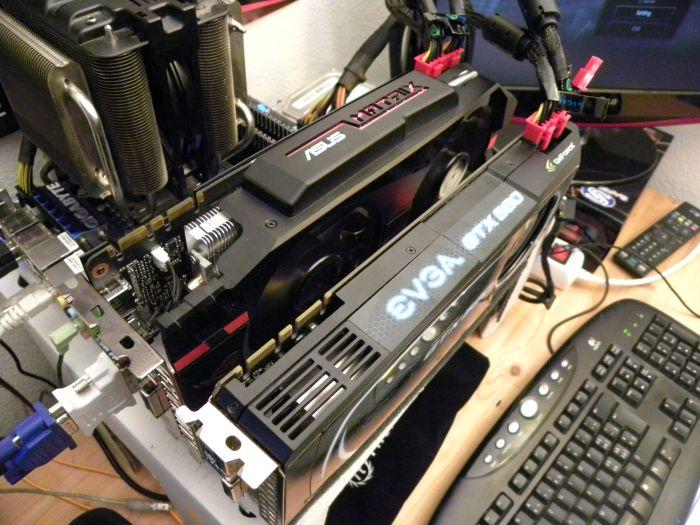 PhysX system: ASUS ROG MATRIX GTX 580 + EVGA GTX 580 SC