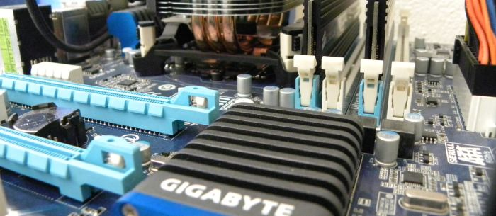 GIGABYTE H67 mainboard, Intel Core i5 / HD 2000 GPU