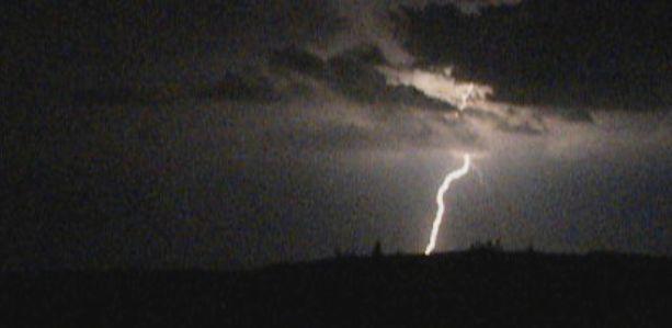 Lightnings, eclairs, Neuchatel