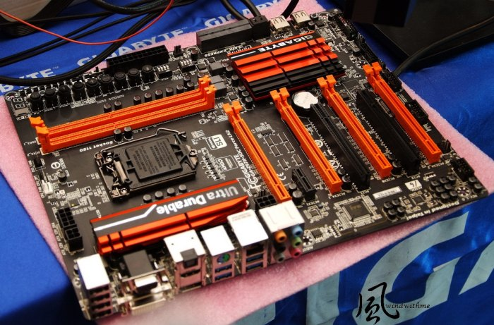 GIGABYTE Z97X-SOC Force LN2 motherboard (SLI and CrossFire)