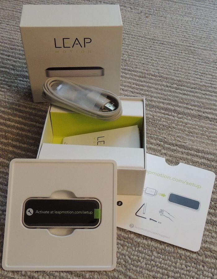 Leap Motion: Touchless Hand Tracking Controller
